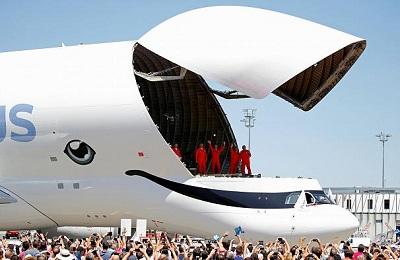 نهنگ سفید دو