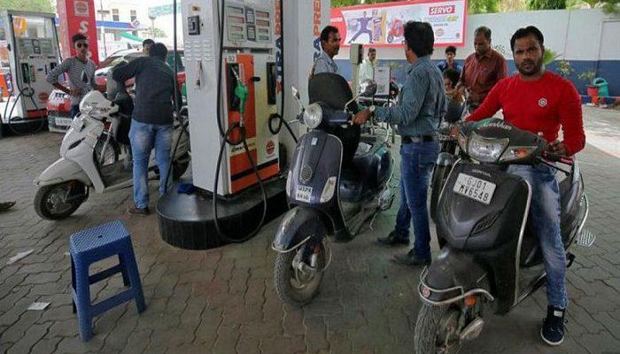 گرانی بنزین در هند